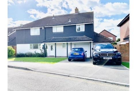Driftwood Gardens, Southsea, PO4. 6 bedroom detached house