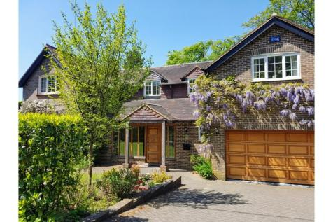 Fielden Lane, Crowborough, TN6. 5 bedroom detached house for sale