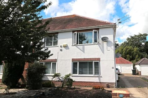 Cooper Dean Drive, Bournemouth, BH8. 2 bedroom flat