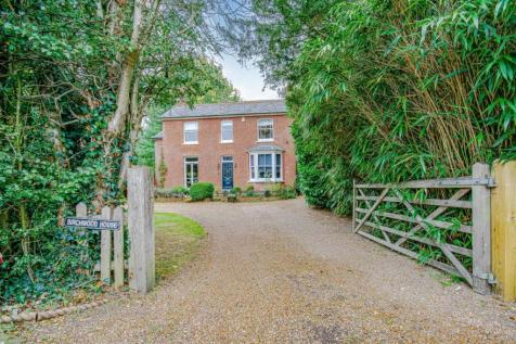 Lingfield Common Road, Lingfield, RH7. 4 bedroom detached house