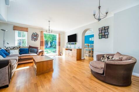 Cambridge Square, Redhill, RH1. 4 bedroom semi-detached house for sale