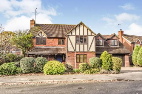 Montague Close, Wokingham, RG40. 5 bedroom detached house for sale