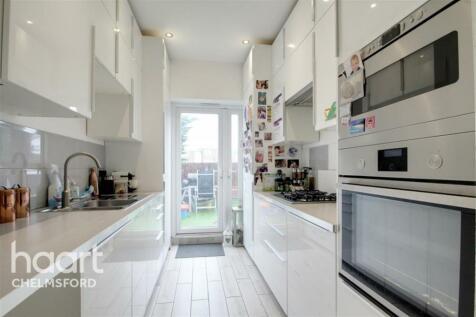 Broomfield Road, Chelmsford. 3 bedroom maisonette