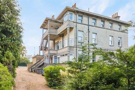 Garden Road, Tunbridge Wells. 2 bedroom ground floor flat