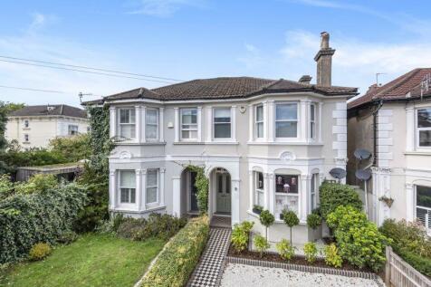 Victoria House, 59 Upper Grosvenor Road, Tunbridge Wells. 4 bedroom semi-detached house