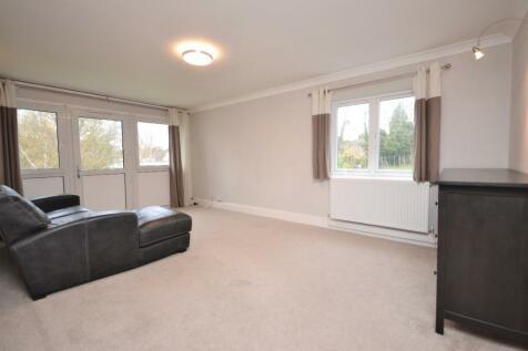 Sir Francis Way, Brentwood, Essex, CM14. 3 bedroom apartment