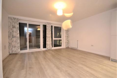 Cunard Square, Chelmsford, Essex, CM1. 2 bedroom apartment