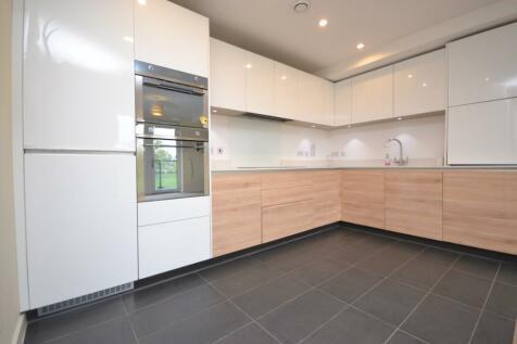 St. Clements Avenue, Haroldwood, Romford, London, RM3. 3 bedroom apartment