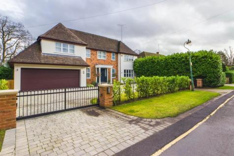 Hillwood Grove, Hutton Mount, Brentwood. 5 bedroom detached house for sale