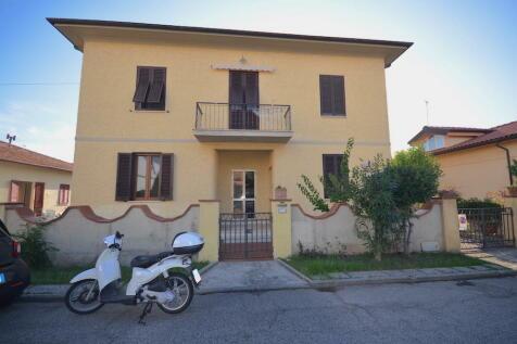 Rosignano Marittimo, Livorno, Tuscany. 2 bedroom semi-detached house