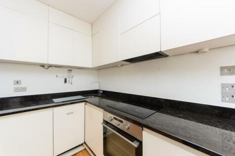Kelvedon Road, Fulham, SW6. 2 bedroom flat