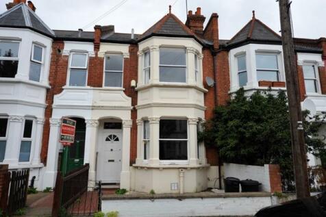 Roxwell Road, Shepherds Bush, London, W12. 3 bedroom terraced house
