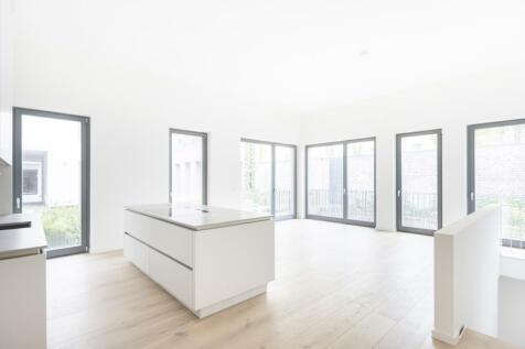 Berlin, Berlin. 2 bedroom flat for sale