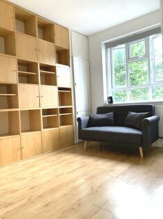White City Estate, London, W12. 1 bedroom flat