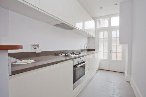Stondon Park, London, SE23. 1 bedroom ground floor flat