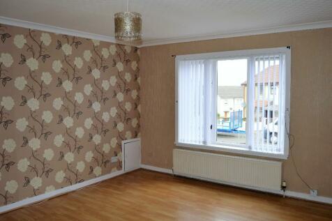 Balgray Avenue, Kilmarnock, Ayrshire, KA1. 3 bedroom semi-detached house