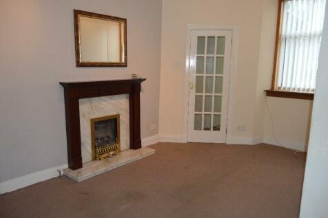Mains Road, Beith, Ayrshire, KA15. 2 bedroom ground floor flat