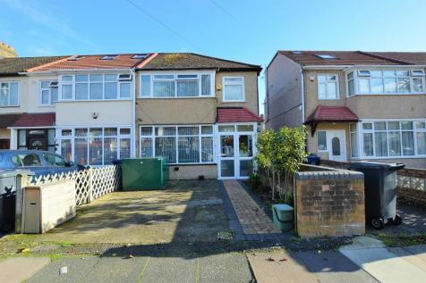 Evelyn Grove, Southall. 3 bedroom end of terrace house for sale
