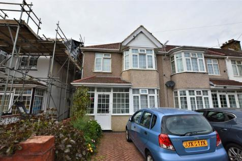 Evelyn Grove, Southall. 3 bedroom end of terrace house