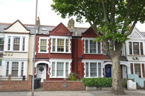 Cavendish Road, Clapham, SW12. 2 bedroom flat