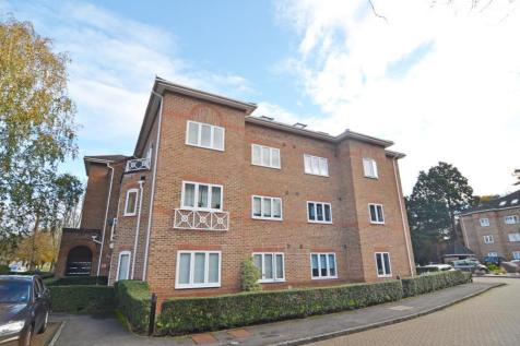 Trematon Place, Teddington, TW11. 1 bedroom apartment