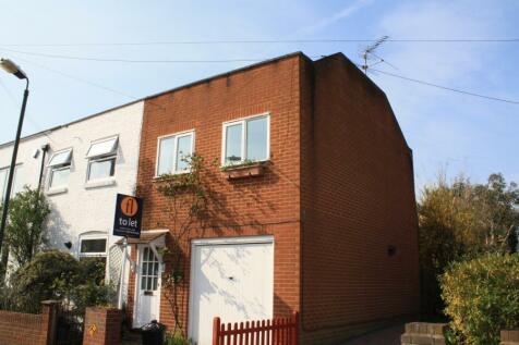 Albion Road, Twickenham, TW2. 3 bedroom terraced house