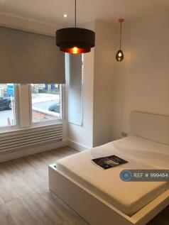Second Avenue, London, NW4. 2 bedroom flat