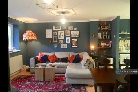 Cremer Street, London, E2. 2 bedroom flat