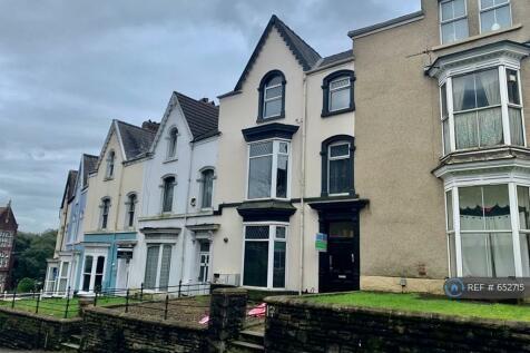 Bryn Y Mor Crescent, Swansea, SA1. 3 bedroom flat