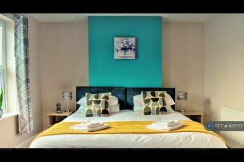 Francis Street, Cheltenham, GL53. 2 bedroom semi-detached house