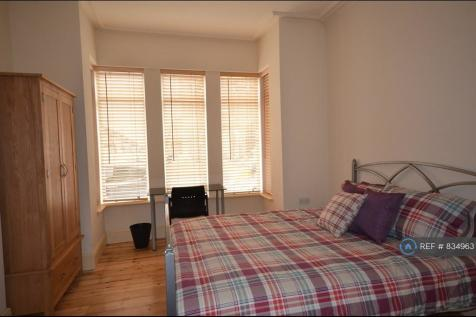 Ashburnham Road, Luton, LU1. 5 bedroom end of terrace house