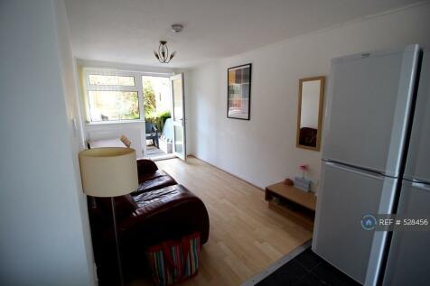 Glenridding Close, Oldham, OL1. 4 bedroom house share