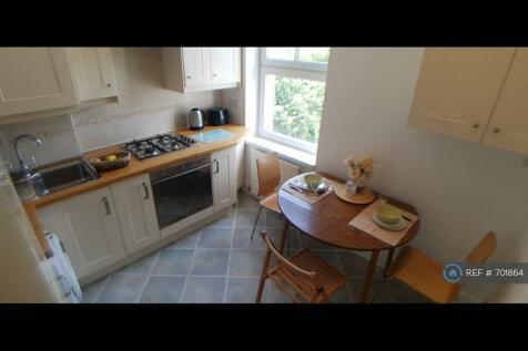 Sutherland Grove, London, SW18. 1 bedroom flat