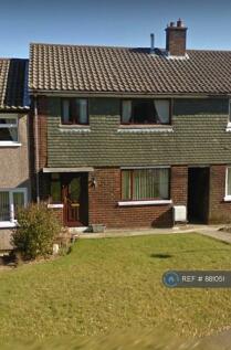 Bryn Y Gwynt, Holywell, CH8. 3 bedroom terraced house