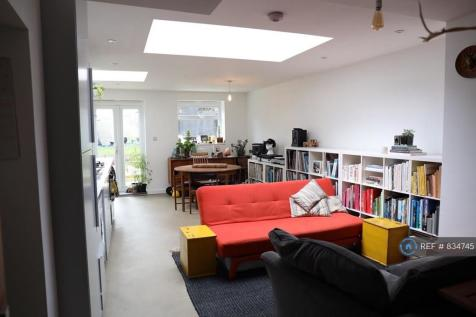 Dartnell Road, London, CR0. 4 bedroom terraced house