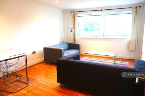 London, London, SE5. 3 bedroom flat