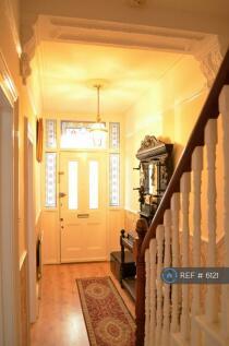 Elliscombe Road, London, SE7. 3 bedroom terraced house