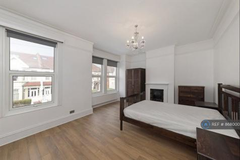 Totterdown Street, London, SW17. 3 bedroom maisonette