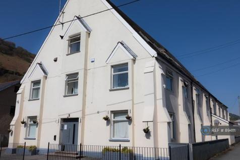 River Row, Cwm, NP23. 8 bedroom house share