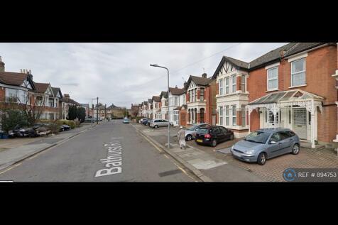 Bathurst Road, London, IG1. 6 bedroom house share