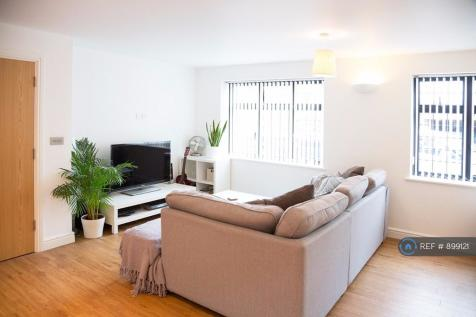 West Way, Petts Wood, Orpington, BR5. 2 bedroom flat