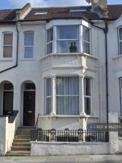 Floyd Road, London, SE7. 2 bedroom flat