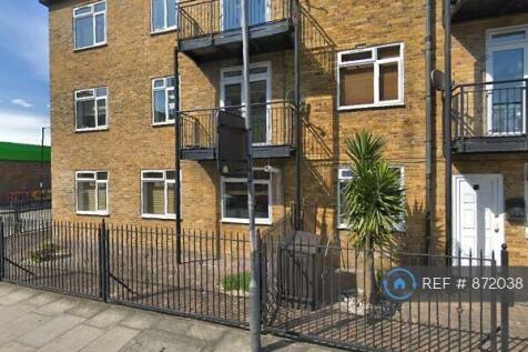 Cornerstone Court, London, E1. 3 bedroom flat share