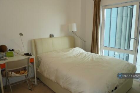 Barge Walk, London, SE10. 3 bedroom flat share