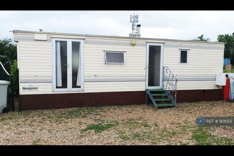 Five Counties Caravan Park, Greetham, LE15. 2 bedroom mobile home