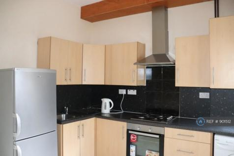 Upper Tollington Park, London, N4. 3 bedroom flat