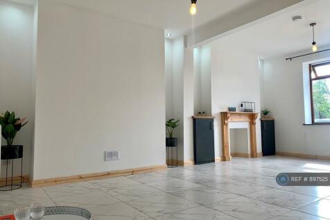 Cwm Level Road, Swansea, SA6. 2 bedroom terraced house