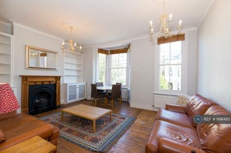 Santos Road, London, SW18. 3 bedroom flat