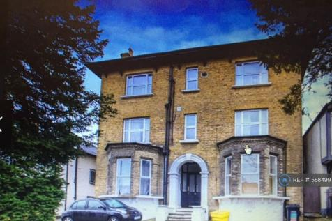 St. Peters Road, Croydon, CR0. 2 bedroom flat