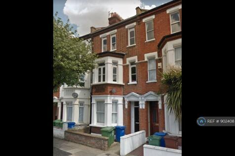 Valmar Road, London, SE5. 4 bedroom flat